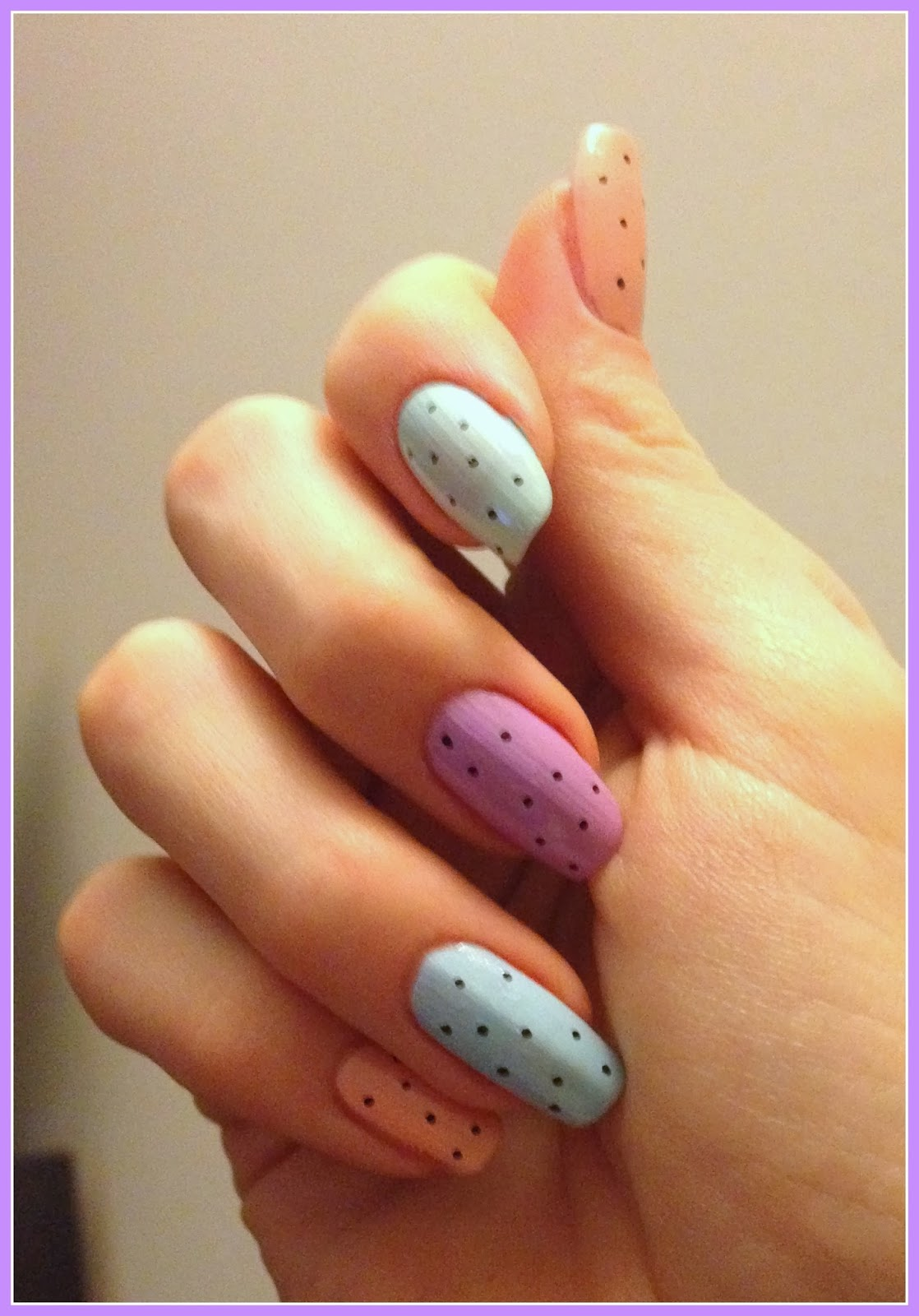 pastel-polka-dot-nails