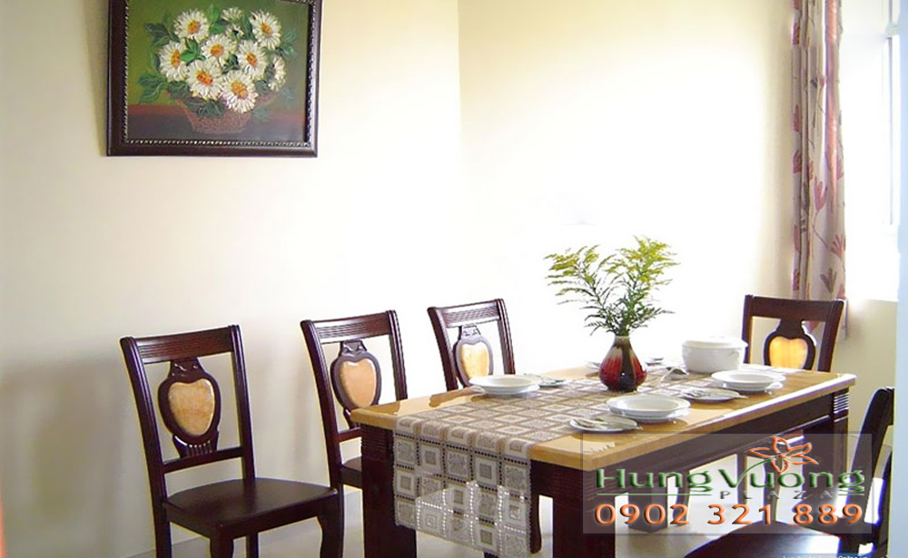 Hùng Vương Plaza Quận 5 - bàn ăn