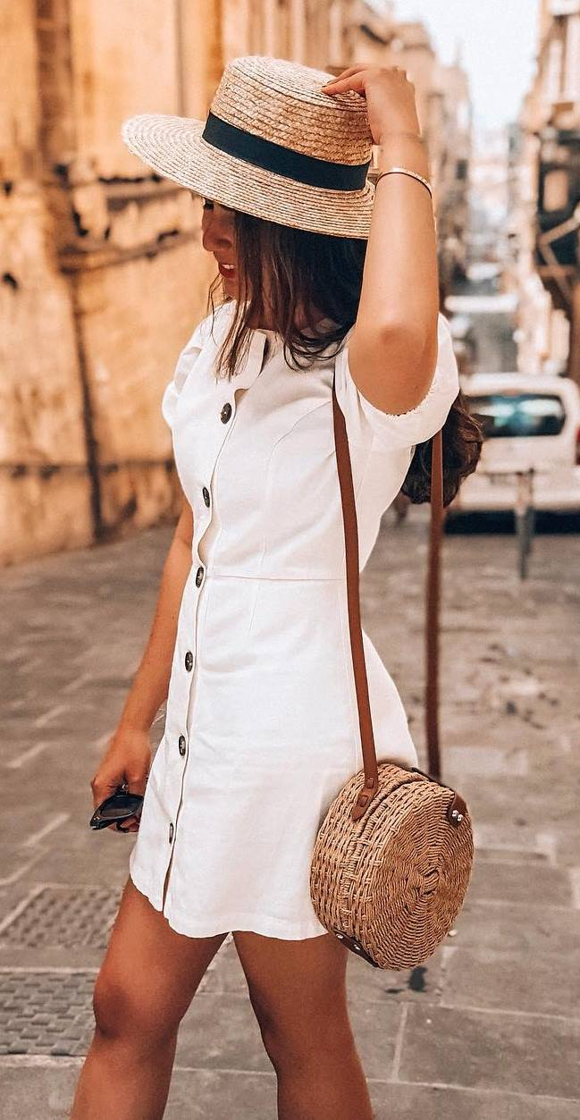 casual outfit inspiration / hat + white dress + round bag
