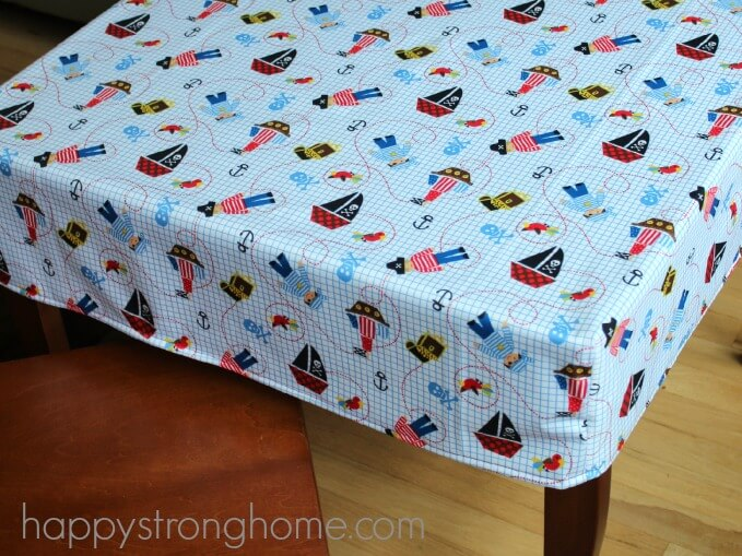 DIY Cornered Tablecloth