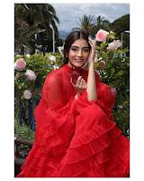Sonam Kapoor Lates Photos HeyAndhra