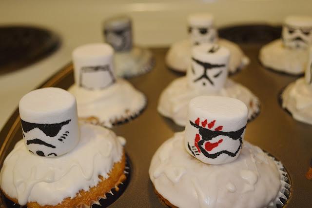 stormtrooper cupcakes finn helmet
