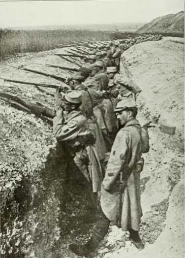 Storia Notizie  prima guerra mondiale - fronte francese - soldati in ... 7aca7f21b060