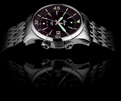 du Maurier Commodore limited edition watch