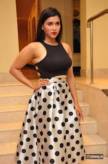 Mannara-Chopra-Latest-Stills-at-Trendz-Designer-Exhibition-Launch