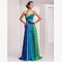 modelo de vestido para madrinha de casamento colorido