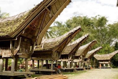 Rumah Adat Tongkonan , Rumah Adat Sulawesi Selatan