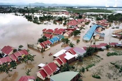 Kota Makassar Tertimpa banjir