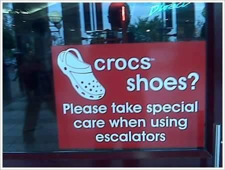 hati-hati guna sandal crocs