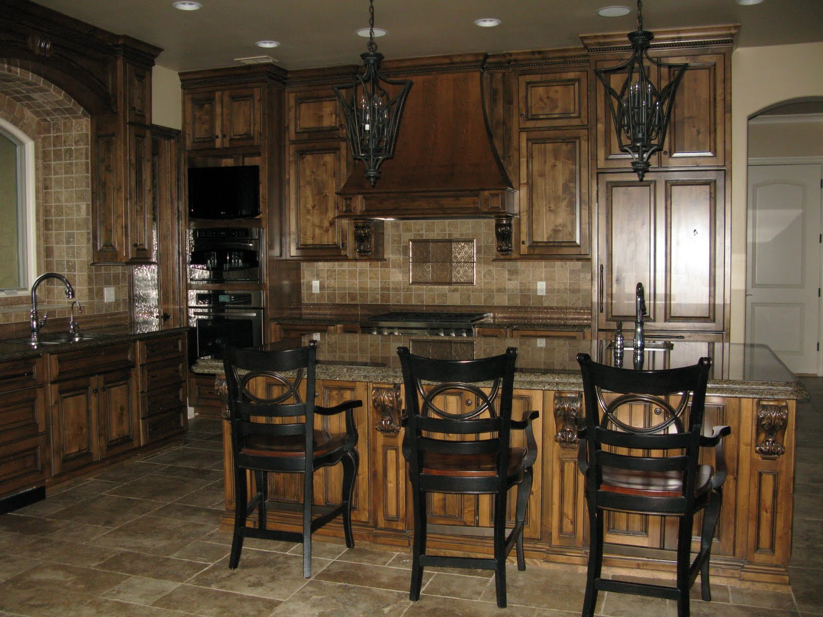 Kitchen Island With Bar Stools Shaker Style Cabinets Projects Plenty And New Leopard