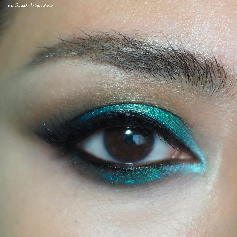The Makeup Box: Oceanic Halo: TKB Trading Aquatic Blue Pigments