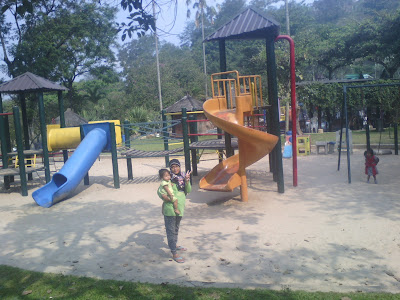 bermain di Playground Waterpark