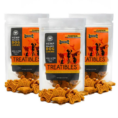 Treatibles treats come in two favors: pumpkin and blueberry.