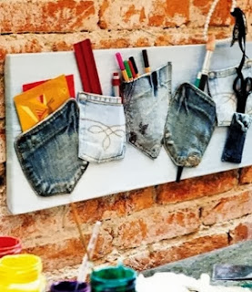 http://portaldemanualidades.blogspot.com.es/2013/12/organizador-hecho-con-ropa-reciclada.html