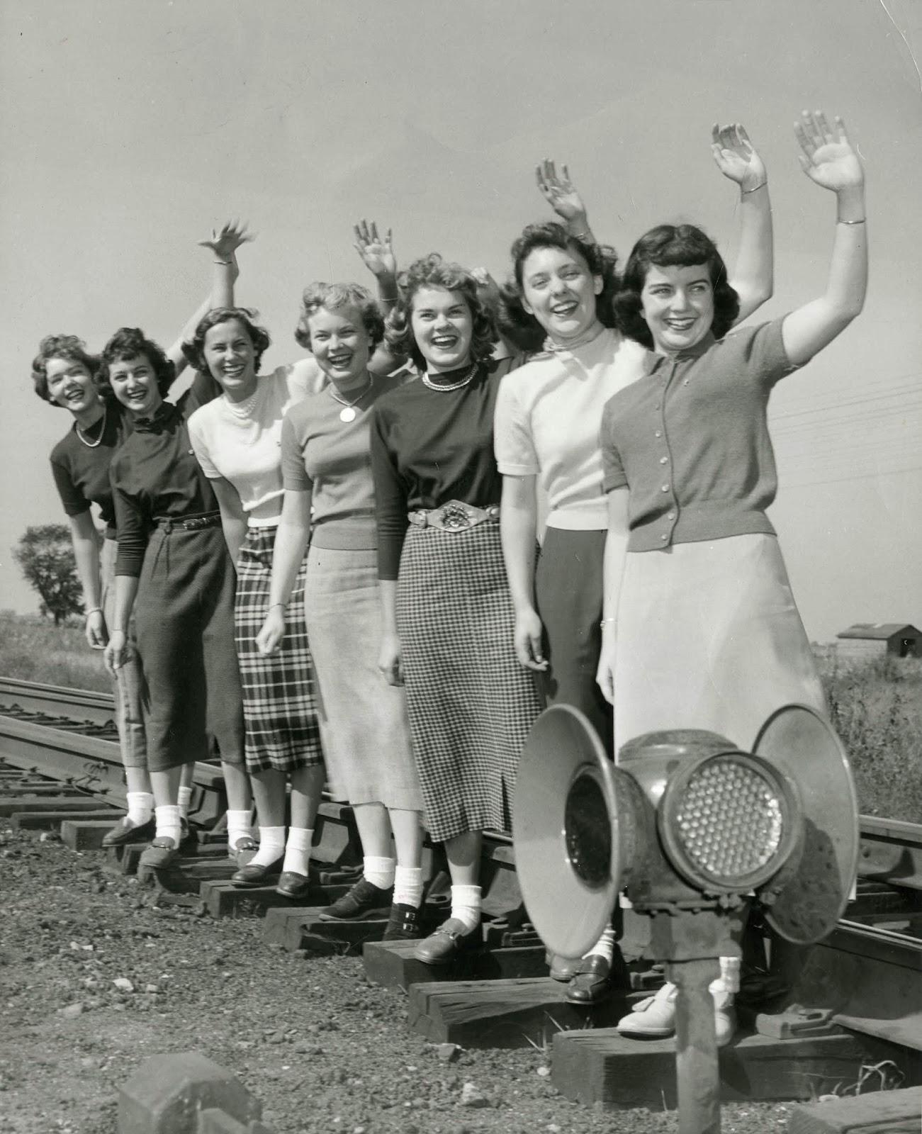 Grey Room: 1960's Women Fashion