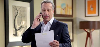 Roger dá golpe na mãe e tira cargo de Pendleton na empresa em As Aventuras de Poliana