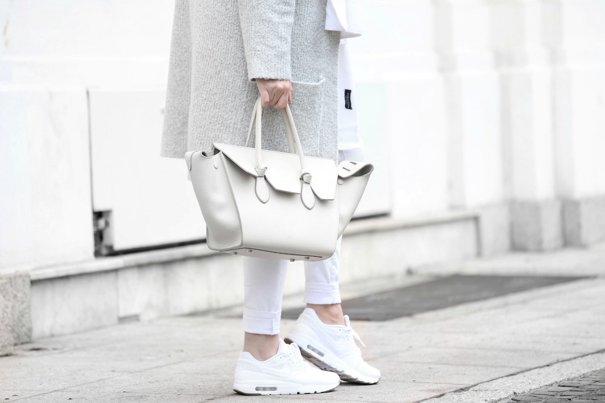 Nicoletta Reggio - White Celine Bag + White Nike Air Max Sneakers