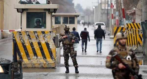 Al menos 18 muertos tras ataque a base militar en Afganistán