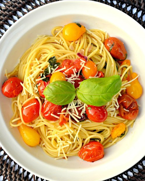 Roasted Tomato Pasta Recipe is the perfect way to use up garden fresh tomatoes from Serena Bakes Simply From Scratch.