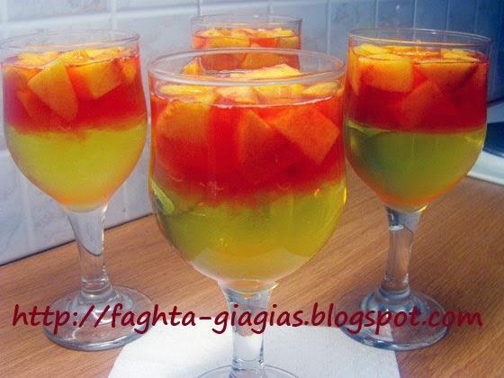 Ζελέ δίχρωμο με φρούτα σε ποτήρι - από «Τα φαγητά της γιαγιάς»