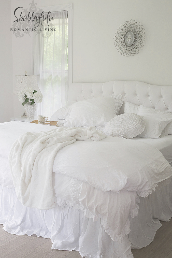 Trend white bedding tufted headboard
