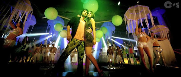 Watch Online Music Video Song Hey Mr. DJ - Phata Poster Nikla Hero (2013) Hindi Movie On Youtube DVD Quality