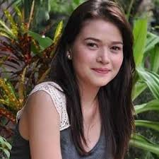 What is the height of Bela Padilla?