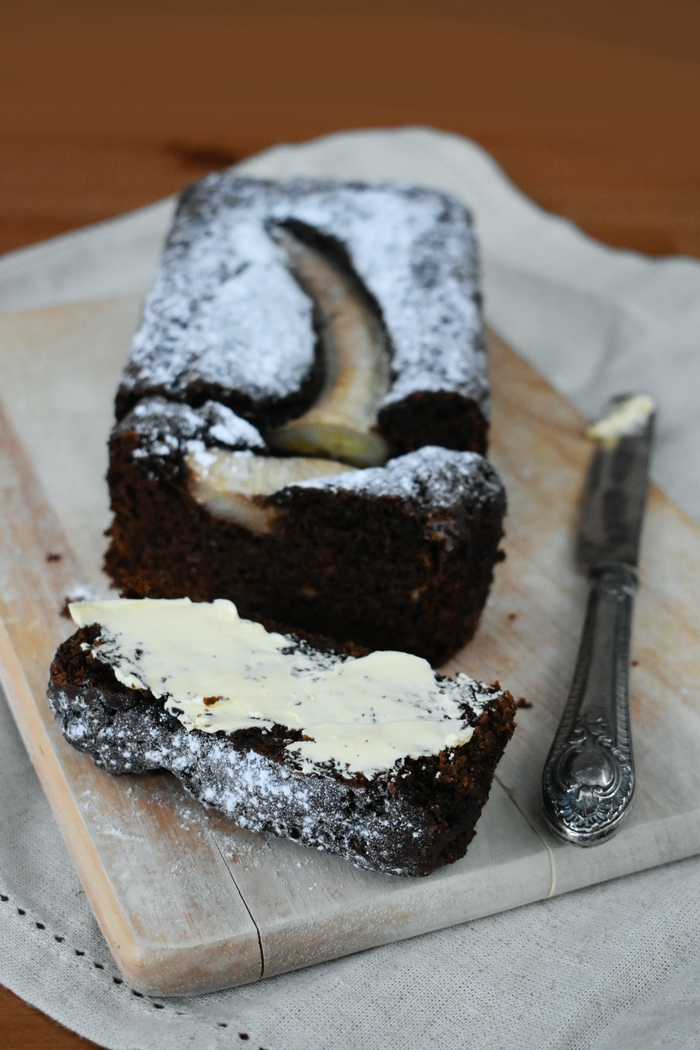 Dark Treacle Banana Gingerbread
