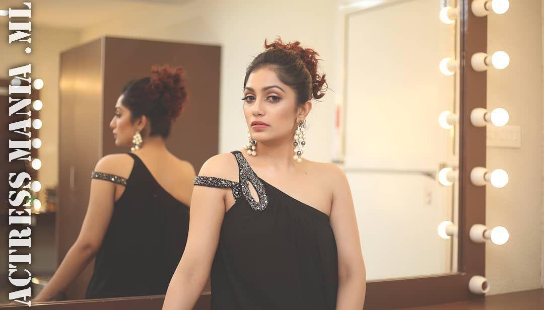 Malayalam Actress Arya Image: Arya Rohit Hot Thighs Photos