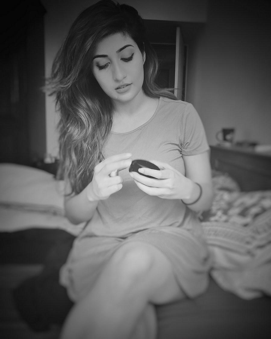 Actress Anissha Singh Latest Photo Gallery