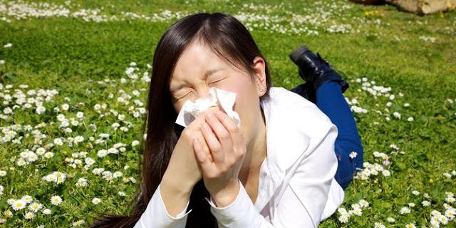 Apakah Bersin di Pagi Hari Karena Udara Dingin Termasuk Alergi