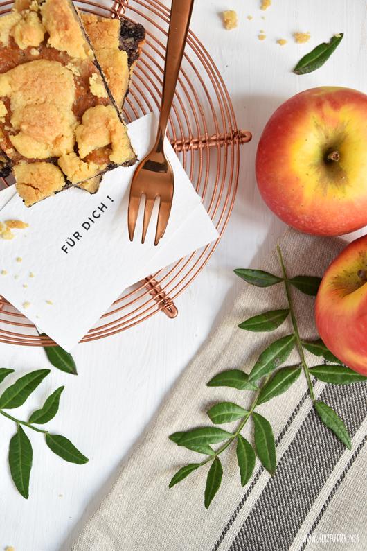 Apfel-Mohn-Schnitten mit Karamell