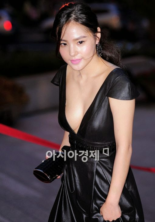 Min Hyo Rin (민효린) - (2) - 2010 Korea Drama Festival red carpet opening ceremony on 02 October 2010