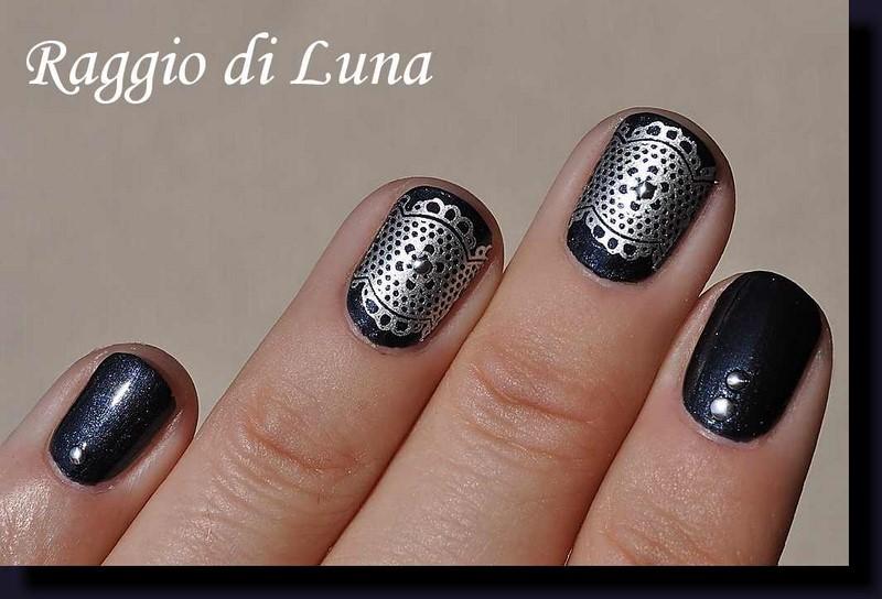 Raggio di Luna Nails: Stamping: Silver lace pattern on dark chrome grey