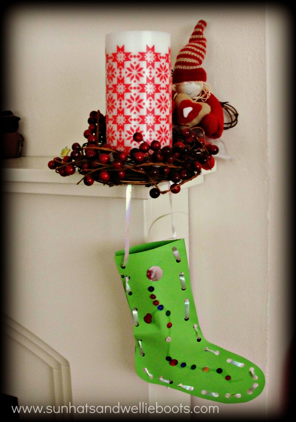 Sun Hats Wellie Boots Christmas Stockings Threading Decorations