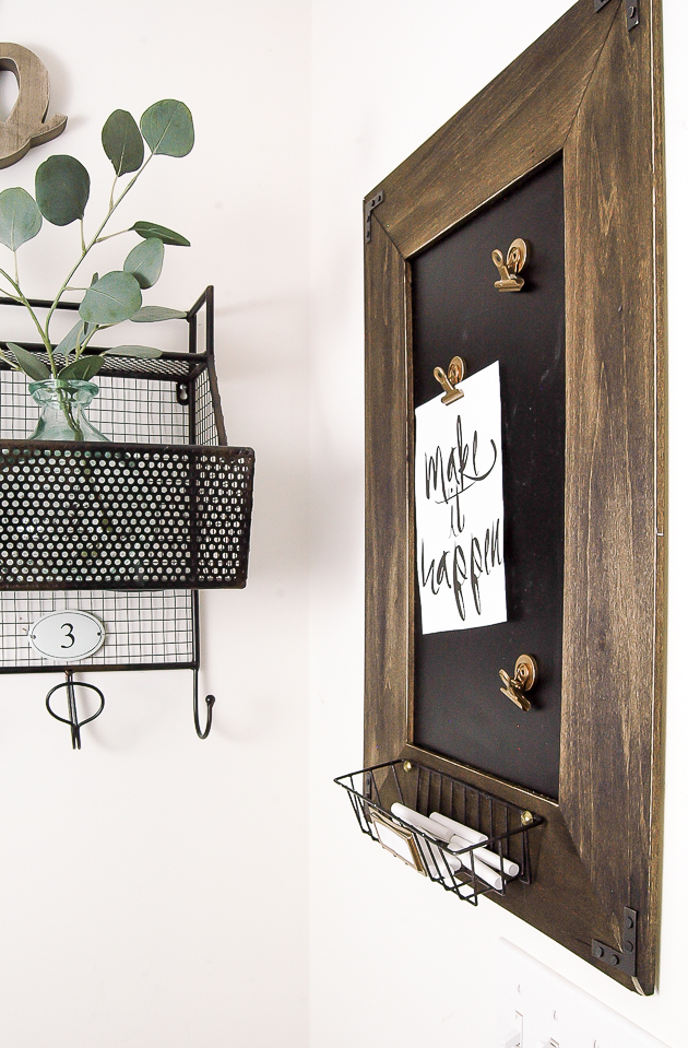 Magnetic chalkboard message board