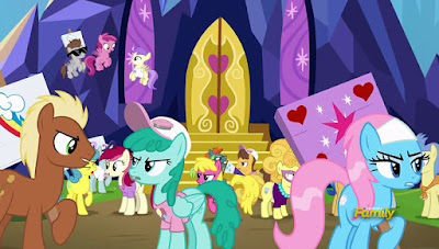Ponies arguing about who the Best Pony is