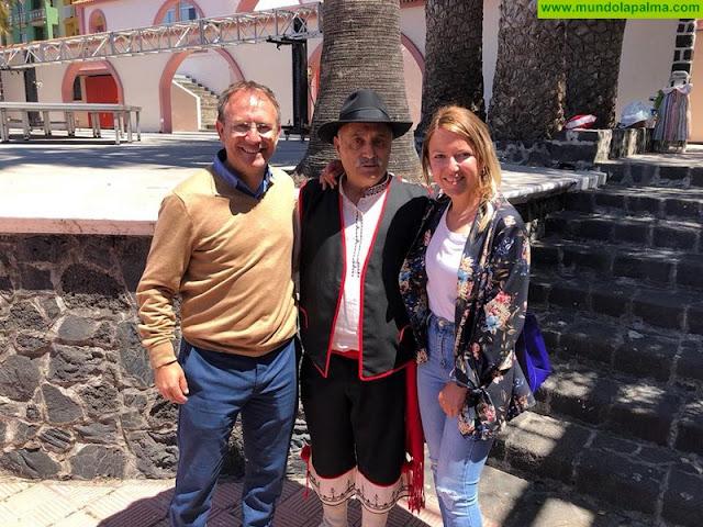 Don Roberto Camacho director durante 30 años del colegio Adamancasis se retira
