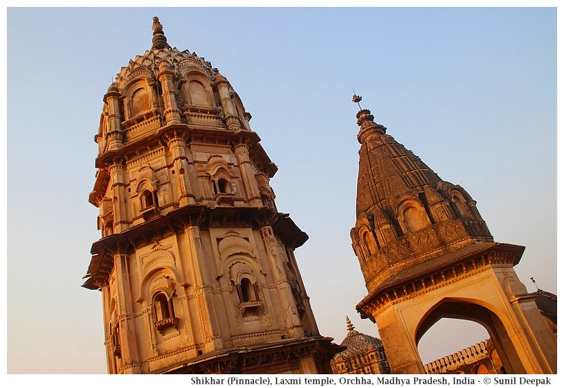 Octagonal dome and shikhar, Laxmi temple, Orchha, Madhya Pradesh, India - Images by Sunil Deepak