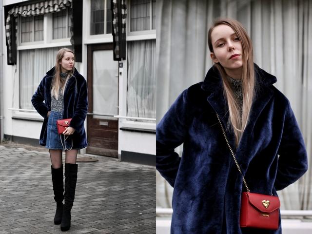Outfit met zwarte overknee laarzen van de Primark blauwe Zaful bontjas rode Love Moschino crossbody tas en Coolcat spijkerrokje