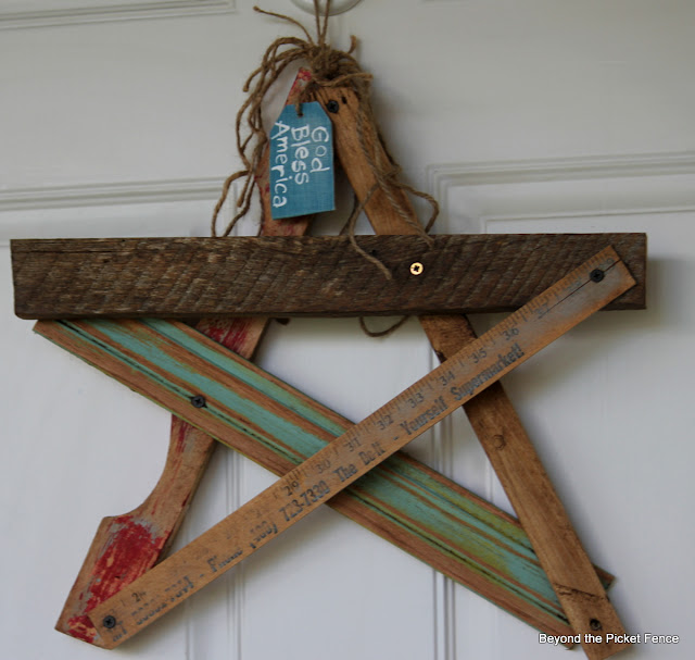 salvaged wood, star, front door, 4th of july decor, summer, beyond the picket fence, http://bec4-beyondthepicketfence.blogspot.com/2013/06/salvaged-star-door-decor.html