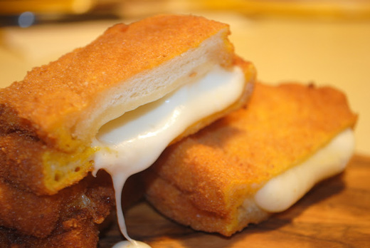 Mozzarella in carrozza is made of very simple ingredients which are deep fried in oil with flour and beaten eggs.