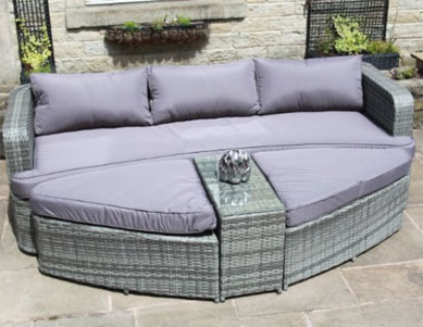 Grey Rattan Lounge Set Sofa with Table and Ottomans, Round Outdoor Daybeds UK, Outdoor Daybeds UK, Daybeds UK, Outdoor Daybeds at Amazon.co.uk, Amazon.co.uk, Best Outdoor Daybeds, Outdoor Furniture, Quality Outdoor Daybeds,