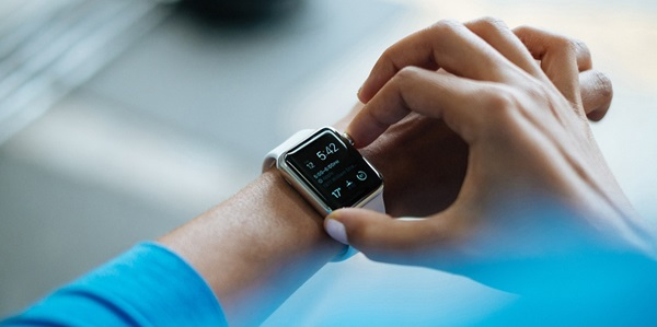 Smartwatch sekarang menjadi lebih terkenal daripada fitness tracker 10 Smartwatch Murah Terbaik dan Canggih Dibawah 1 Juta