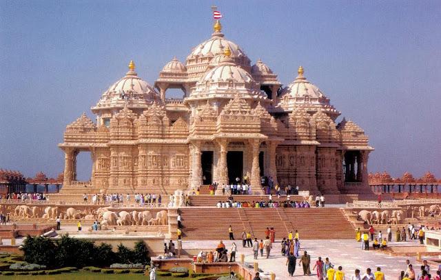Akshardham temple - the largest temple of India