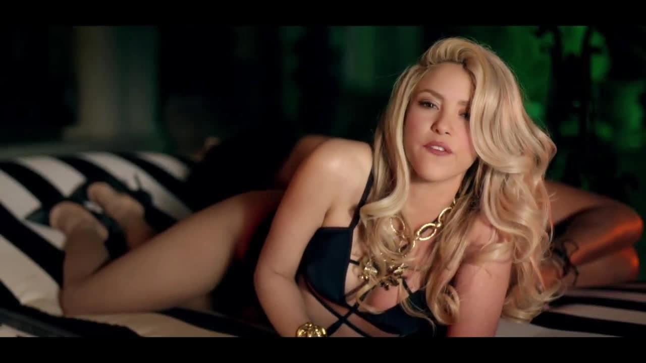 rihanna-shakira-cant-remember-to-forget-you-official-video-679x350 Shakira Cant Remember To Forget You Ft Rihanna