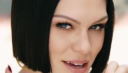 Jessie J performing Flashlight