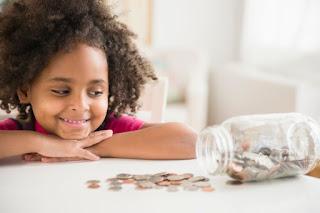 finanzas-niña-ahorros