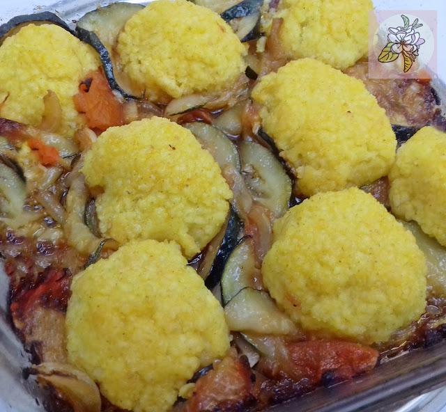 Bolitas Veganas de Mijo con Verduras al Horno.