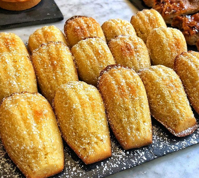 Madeleines Cake